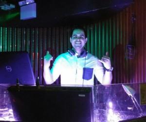 Latin Dj_DJ Latin Fox_audionetworks