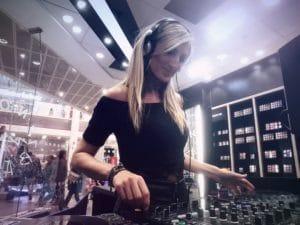 DJ Zoe - Professional Female DJ for Events